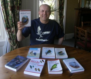 Heatherlea Guide Pete Cosgrove has reviewed all the bird books for our holidays, and recommends the most appropriate for your choice.